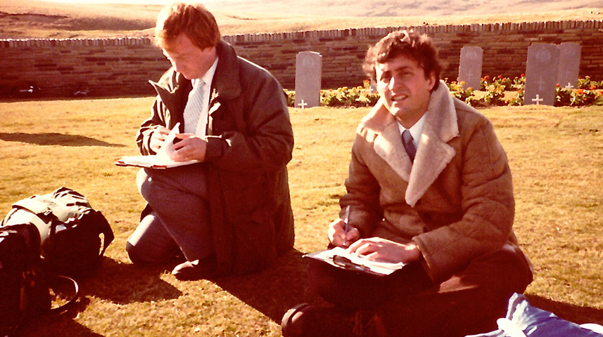 ITN's Brent Sadler (right) and BBC correspondent Nicholas Witchell (left) share an assignment in the Falkland Islands